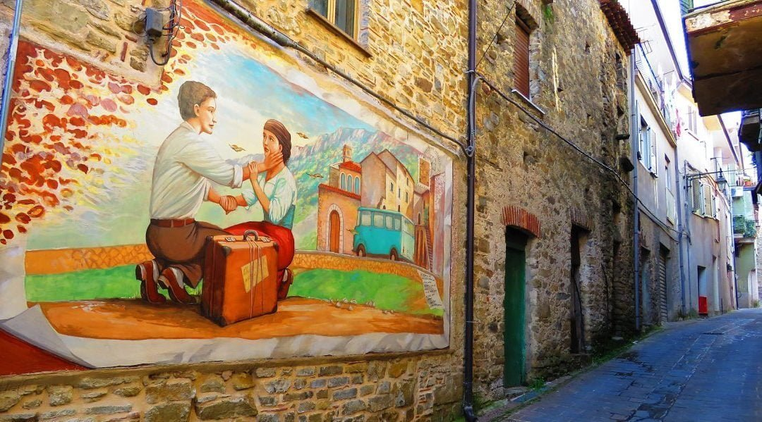 THE SMALL VILLAGE OF THE MURALES
